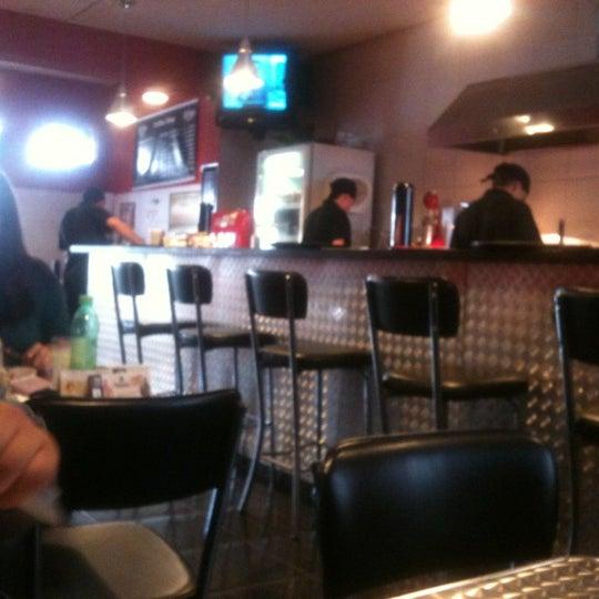 Снимок сделан в São Paulo Dog & Burger пользователем Vanessa P. 11/7/2012