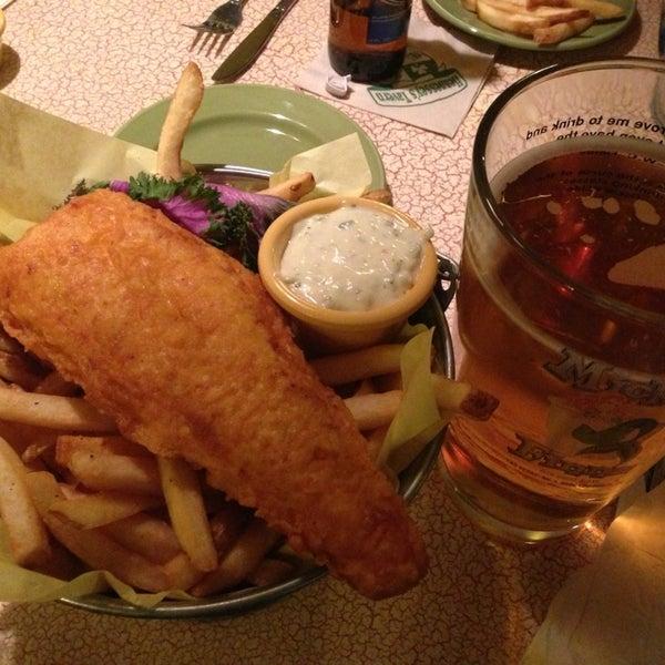 Foto diambil di Mickie Finnz Fish House & Bar oleh Eric R. pada 1/28/2013