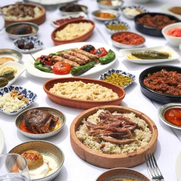 Foto diambil di Seraf Restaurant oleh Salih pada 5/22/2019