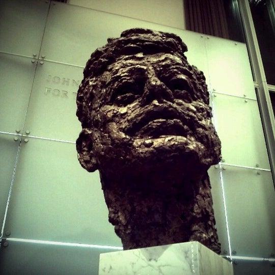 Снимок сделан в The John F. Kennedy Center for the Performing Arts пользователем Paul M. 11/14/2012