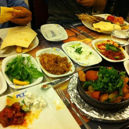 Foto diambil di Topçu Restaurant oleh Recep B. pada 10/11/2012