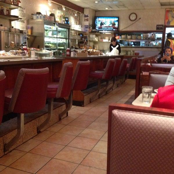 Photo prise au Morning Star Cafe par Neil v. le1/10/2014