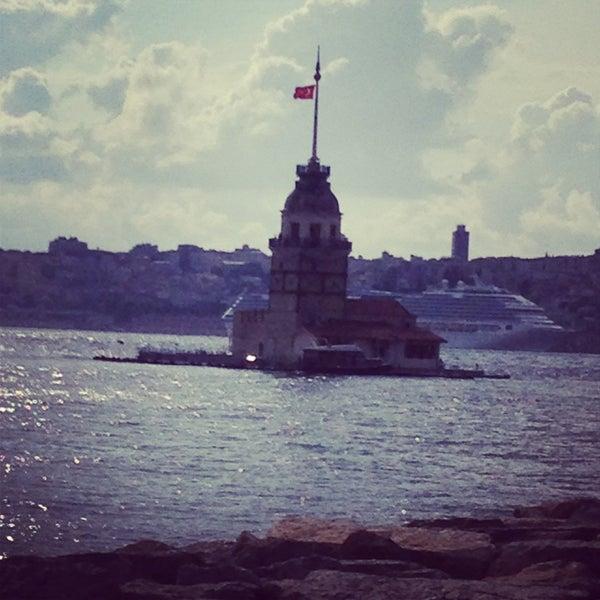 6/13/2013にSercan U.がKız Kulesiで撮った写真