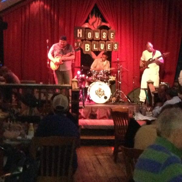 Foto diambil di House of Blues oleh Wayne S. pada 5/18/2013