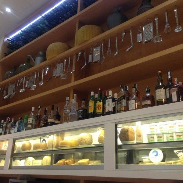 Foto scattata a Poncelet Cheese Bar da 🎀Yana M. il 8/31/2013
