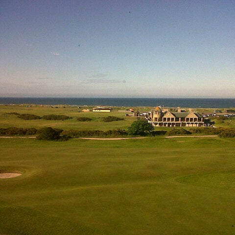 Foto tirada no(a) Old Course Hotel Golf Resort & Spa por Yannis D. em 6/17/2013