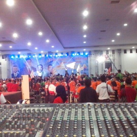 Das Foto wurde bei Jogja Expo Center (JEC) von Djoko P. am 12/19/2012 aufgenommen
