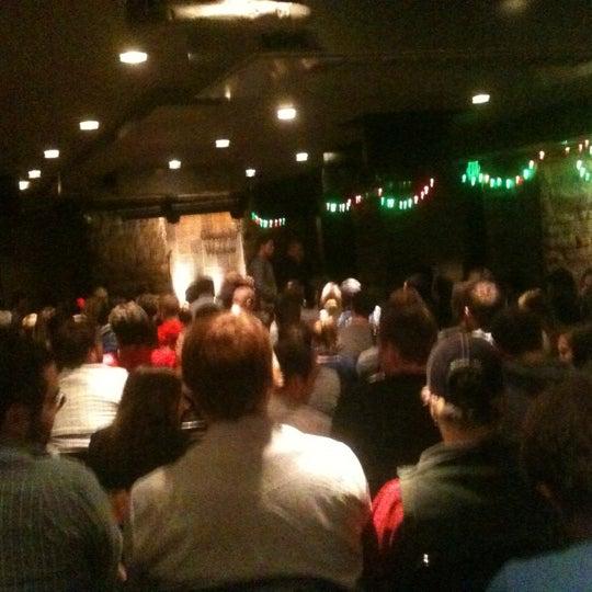 12/13/2012 tarihinde Nick L.ziyaretçi tarafından Comedy Works Downtown in Larimer Square'de çekilen fotoğraf