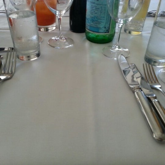 Foto scattata a Manta Restaurant da Sacha il 1/1/2013
