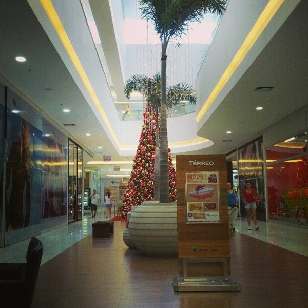 Foto tirada no(a) Shopping Park Europeu por Denis B. em 12/21/2012