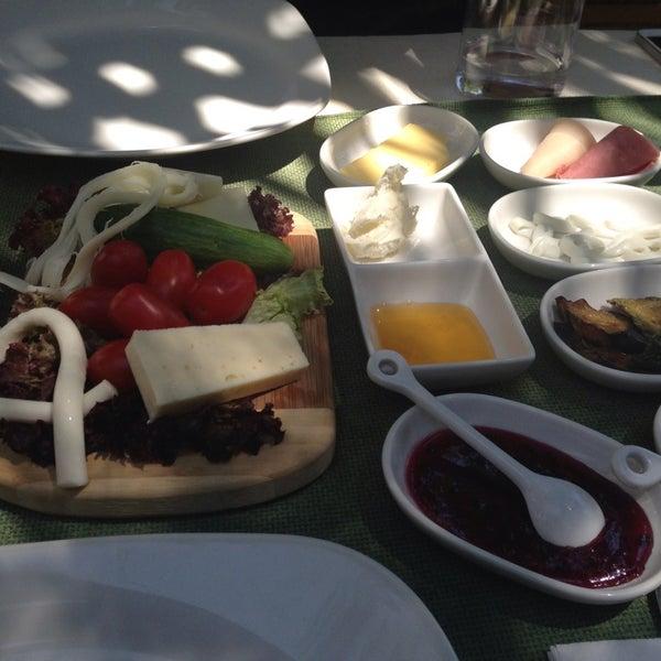 7/3/2013にY. Ö.がLimoon Café & Restaurantで撮った写真