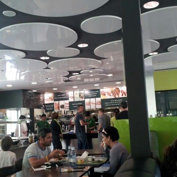 รูปภาพถ่ายที่ B-crek Restaurant โดย perexk (. เมื่อ 5/12/2013