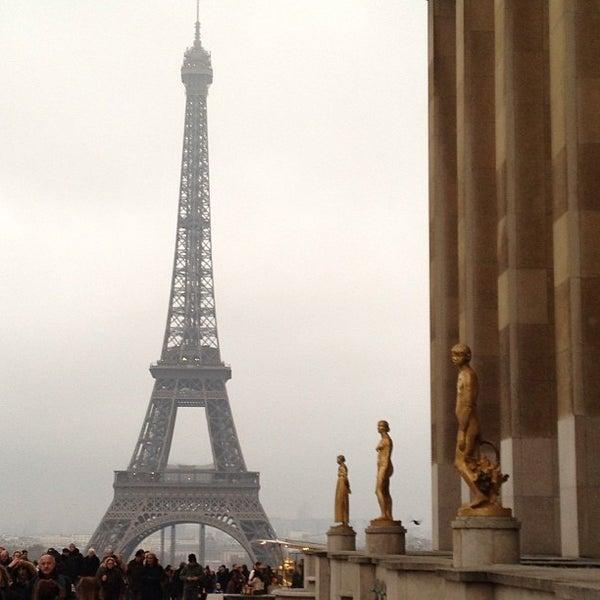 Photo prise au Place du Trocadéro par Oukia le1/13/2013