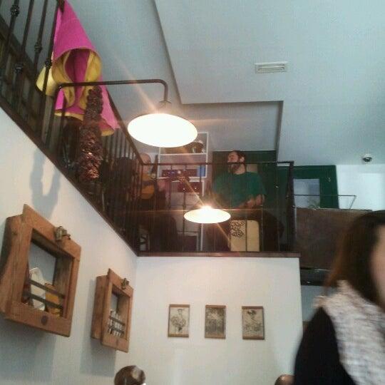 รูปภาพถ่ายที่ Suculent โดย pilarvi เมื่อ 10/28/2012