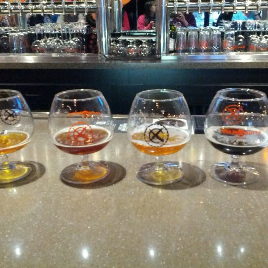 Das Foto wurde bei Black Bottle Brewery von Feisty S. am 1/26/2013 aufgenommen