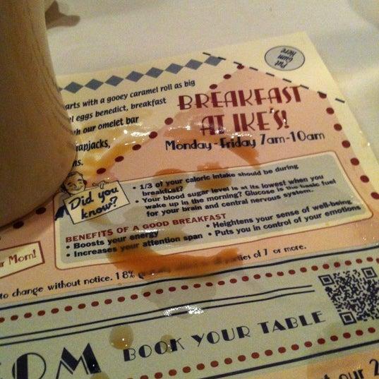 11/2/2012에 Meagan C.님이 Ike's Food & Cocktails에서 찍은 사진