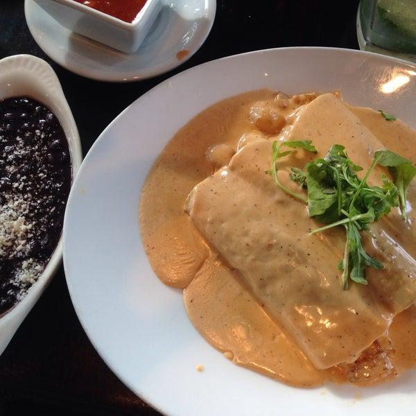 รูปภาพถ่ายที่ Paxia Alta Cocina Mexicana โดย Octavio D. เมื่อ 4/19/2015