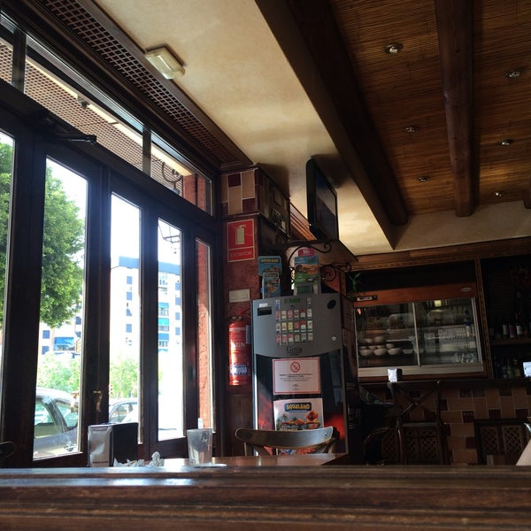 Foto tomada en Café Bar Arriate por Маша К. el 7/18/2016