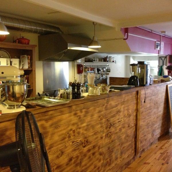 8/2/2013 tarihinde Metehan B.ziyaretçi tarafından Semolina Kafe & Restoran'de çekilen fotoğraf