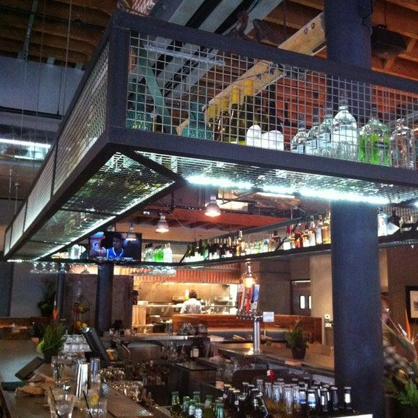 Foto tirada no(a) Spike Africa's Fresh Fish Bar & Grill por MyBarPass.com em 2/2/2013