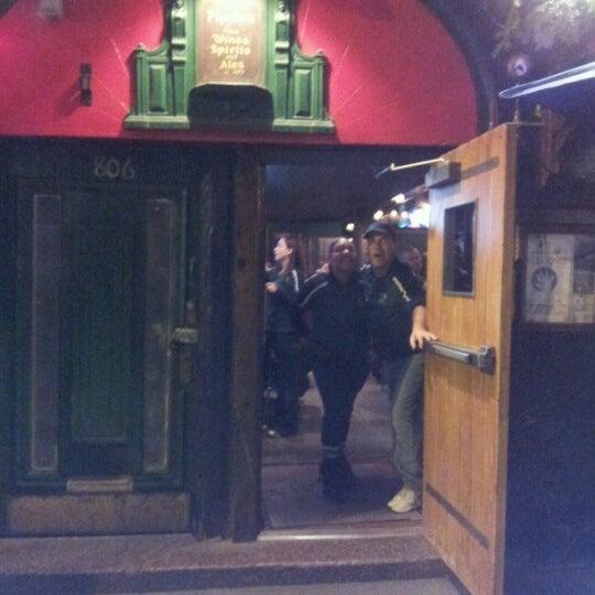 Foto diambil di Pippin's Tavern oleh Jacqueline F. pada 11/16/2012