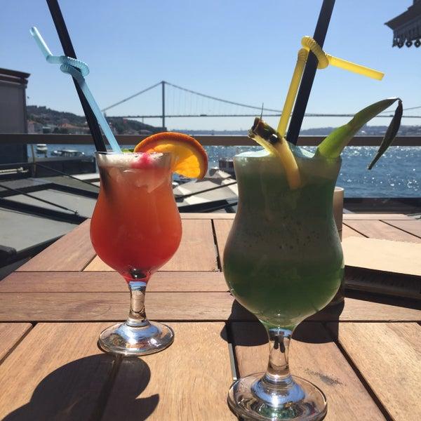 Foto tomada en Boon Cafe & Restaurant por Di.la.ra el 7/19/2015