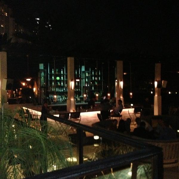 รูปภาพถ่ายที่ Maya Modern Mexican Kitchen + Lounge โดย Stuart M. เมื่อ 3/22/2013