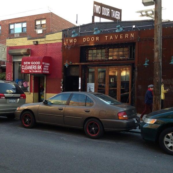 1/31/2013 tarihinde CarlosT1ziyaretçi tarafından Two Door Tavern'de çekilen fotoğraf