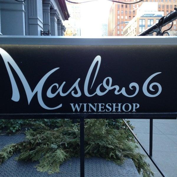 Foto tomada en Maslow 6 Wine Bar and Shop por AndresT5 el 1/18/2013