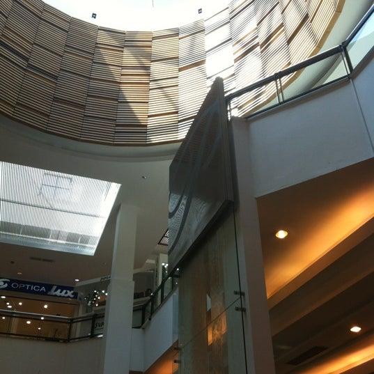 Das Foto wurde bei Portones Shopping von Santiago F. am 10/21/2012 aufgenommen