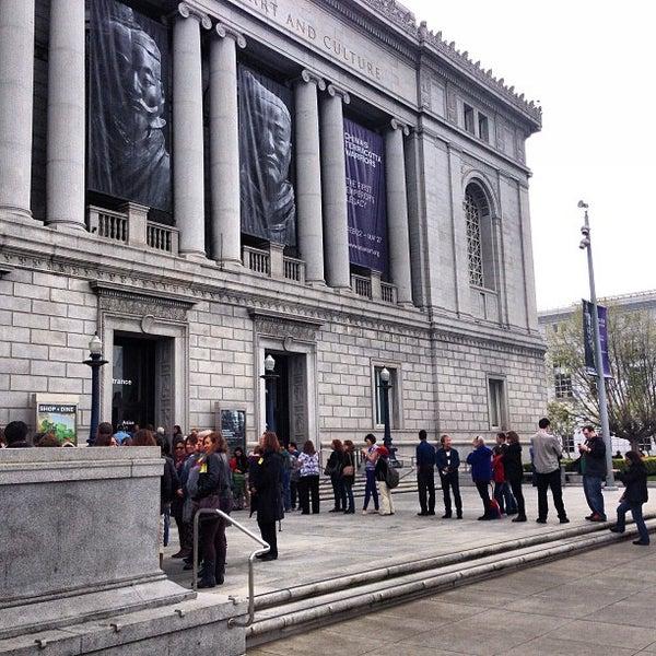 3/28/2013 tarihinde Ray M.ziyaretçi tarafından Asian Art Museum'de çekilen fotoğraf