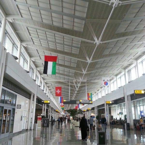 Снимок сделан в Вашингтонский аэропорт имени Даллеса (IAD) пользователем Afnan A. 9/16/2013