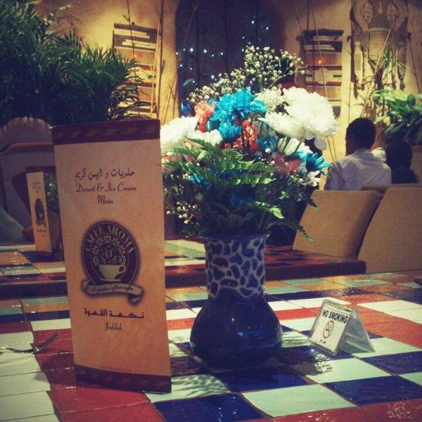 10/21/2012 tarihinde Somaia A.ziyaretçi tarafından Caffe Aroma Ksa'de çekilen fotoğraf