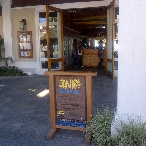 Foto diambil di Duke's oleh Brandy L. pada 11/13/2012