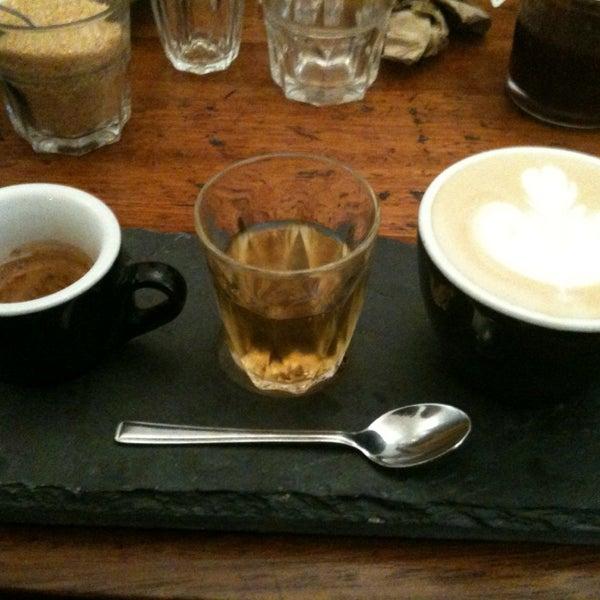 2/3/2013 tarihinde Phil W.ziyaretçi tarafından Kaffeine'de çekilen fotoğraf