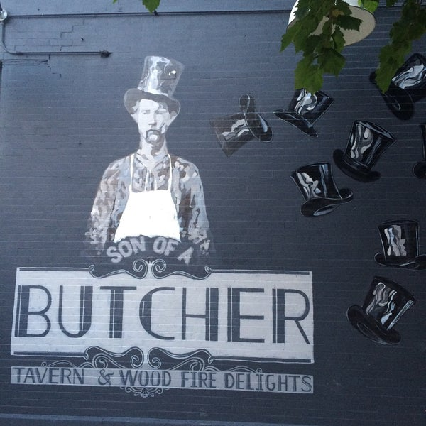 Foto scattata a Son of a Butcher by WHISK da Liz P. il 6/17/2015