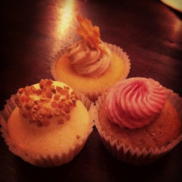 รูปภาพถ่ายที่ Prohibition Bakery โดย UPD0WNACR0SS เมื่อ 10/26/2012