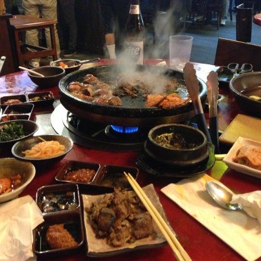 Foto scattata a Hae Jang Chon Korean BBQ Restaurant da Chermaine R. il 2/12/2013