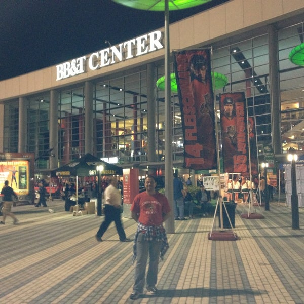 Foto tomada en BB&T Center  por Anthony B. el 1/20/2013
