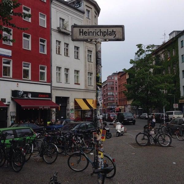 รูปภาพถ่ายที่ Critical Mass Berlin โดย Obi J. เมื่อ 7/5/2014