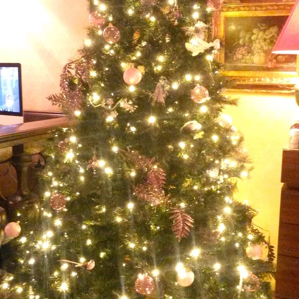 Hotel des Deux Continents is ready for Christmas!