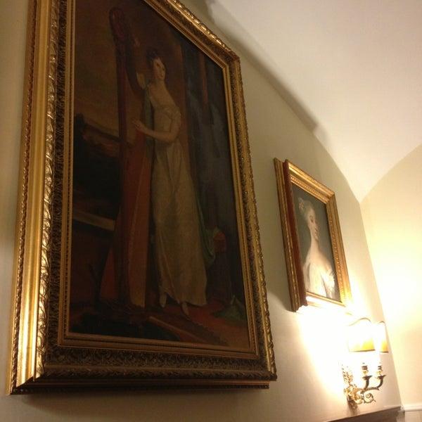 3/25/2013 tarihinde Tika™ziyaretçi tarafından Hotel Des Artistes'de çekilen fotoğraf