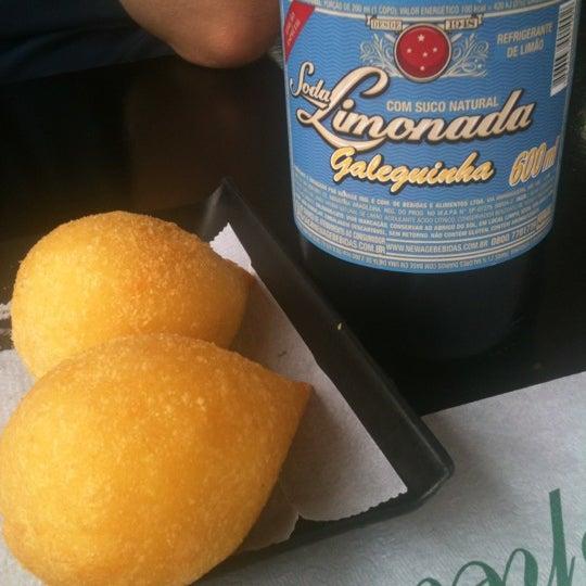 Das Foto wurde bei Santa Coxinha von Pamela P. am 12/11/2012 aufgenommen