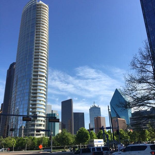 Foto diambil di Uptown Dallas oleh Alicia M. pada 4/19/2018