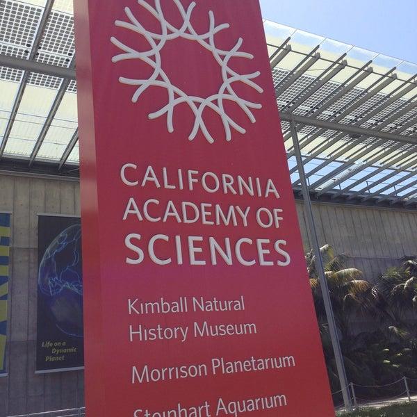 รูปภาพถ่ายที่ California Academy of Sciences โดย Sahitya K. เมื่อ 4/28/2013