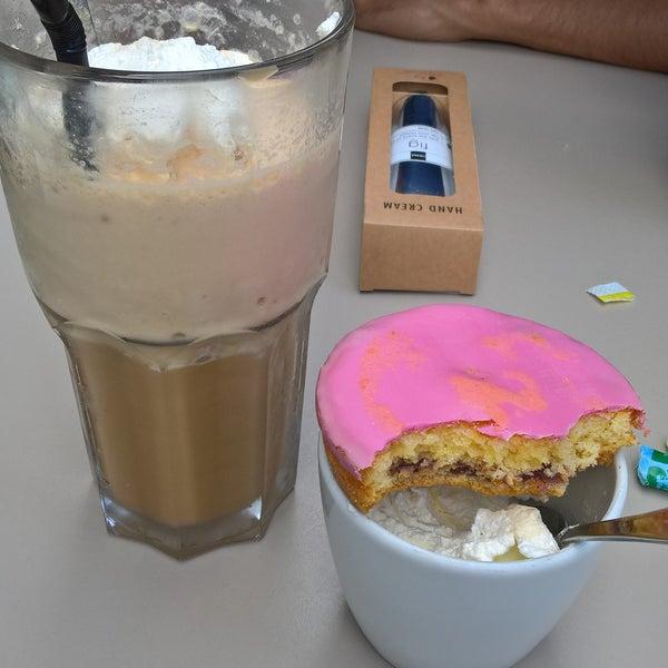 Foto diambil di Engel's Coffee oleh Joanne S. pada 8/17/2017