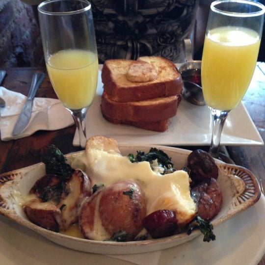 11/12/2012 tarihinde Joe C.ziyaretçi tarafından Apartment 138'de çekilen fotoğraf