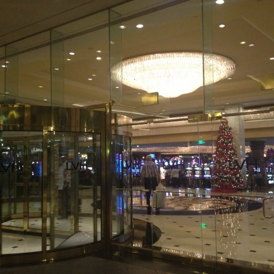 Снимок сделан в LVH - Las Vegas Hotel & Casino пользователем Jarod P. 12/9/2012