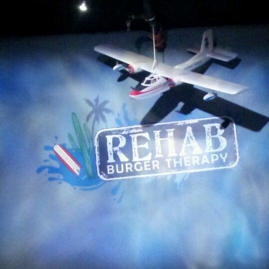 Das Foto wurde bei Rehab Burger Therapy von tami w. am 1/23/2013 aufgenommen