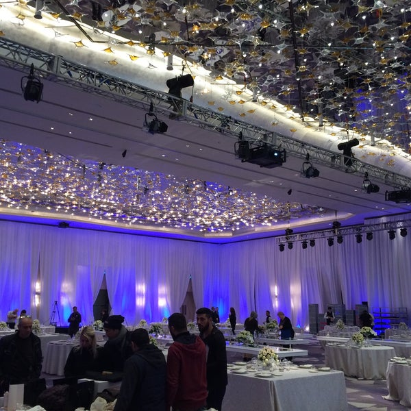 Foto diambil di Raffles Istanbul Zorlu Center oleh Eren Ateş A. pada 12/10/2015